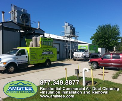amistee-duct-trucks-cleaning-commercial-building